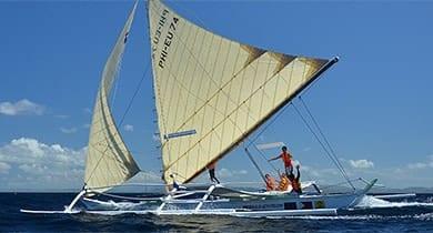 http://retiredafloat.com/wp-content/uploads/2017/04/boat-charter-boracay.jpg